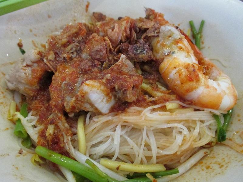 Min Nam pork ribs prawn noodle 4