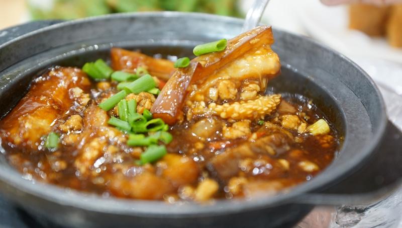 Hong Kong Street Family Resturant 4