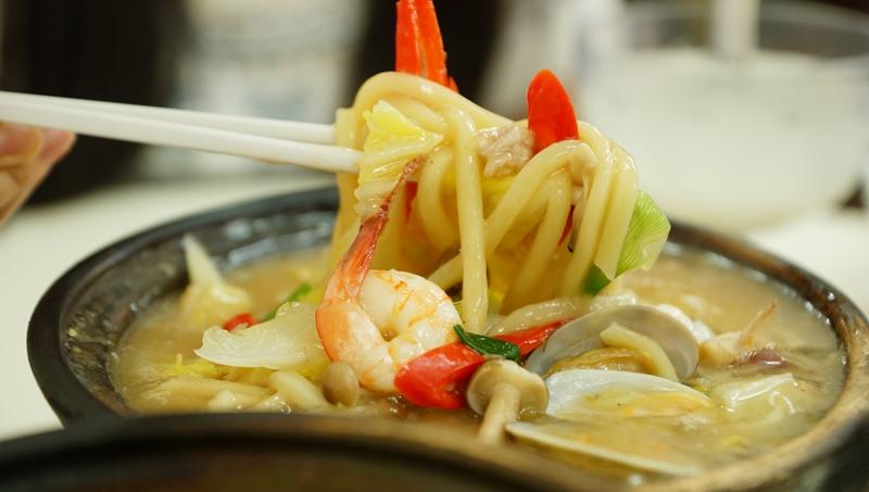 Sembanwang Traditional Claypot Rice da lu mian