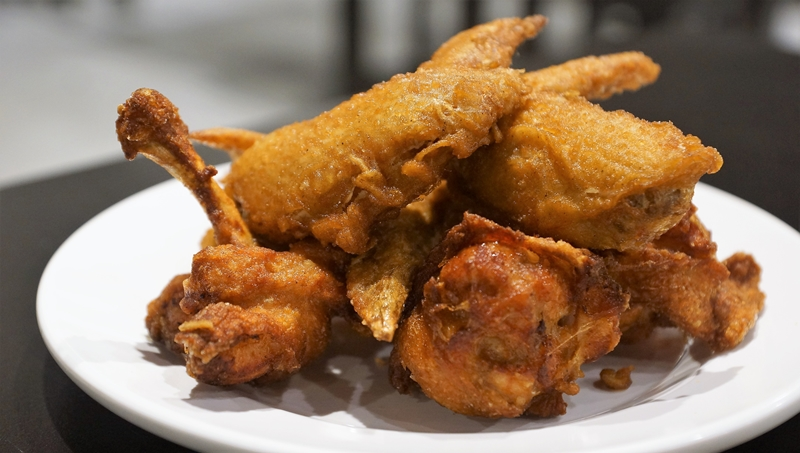 Bai Nian Dou Fu fried chicken wings