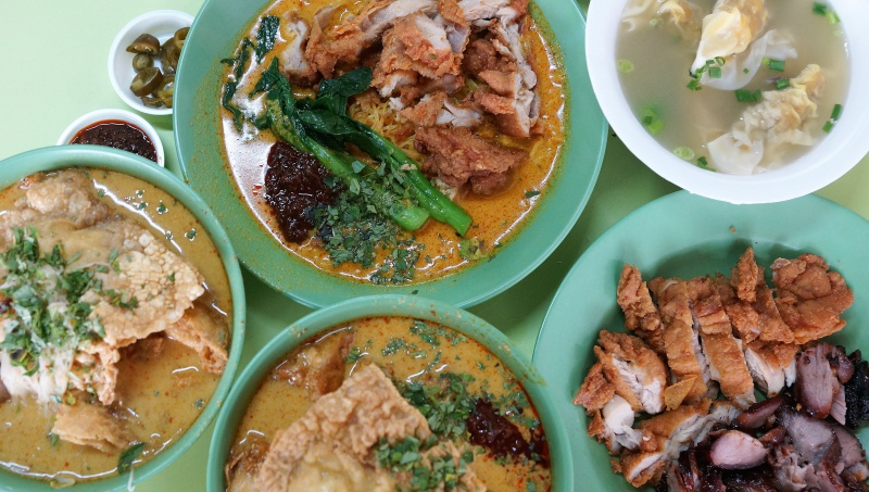 Cantonese Delights curry yong tau foo and curry chicken noodles